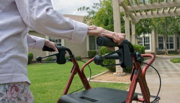 avoid-issues-with-wheeled-walker